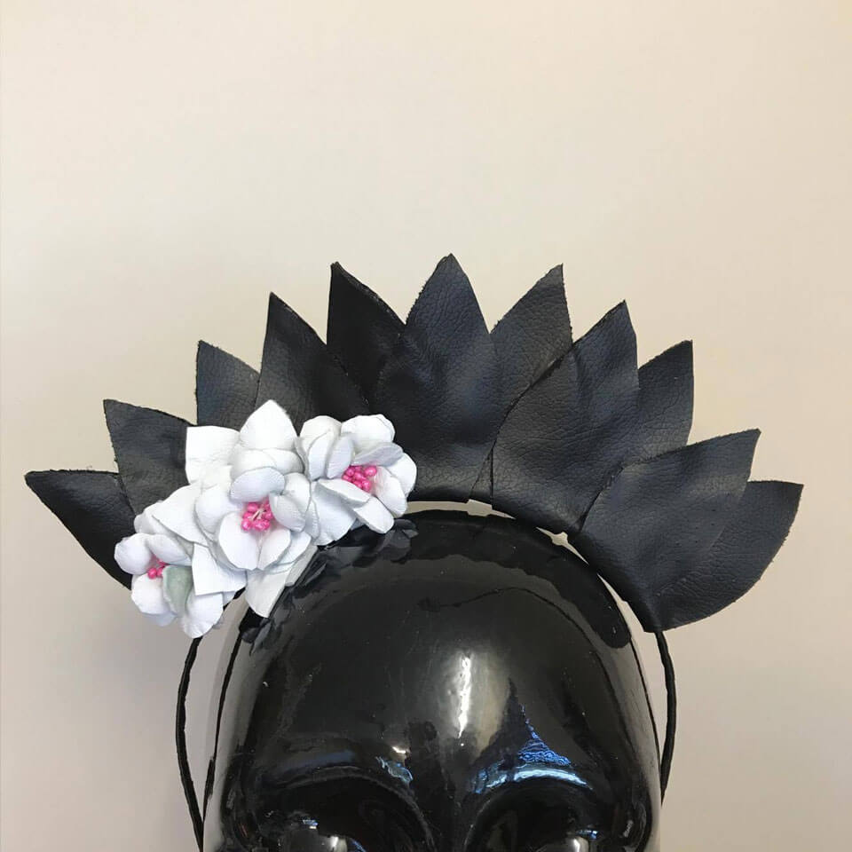 Black and white flower crown peggys creations black and white flower crown izmirmasajfo